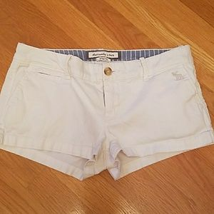 Abercrombie & Fitch white shorts 0